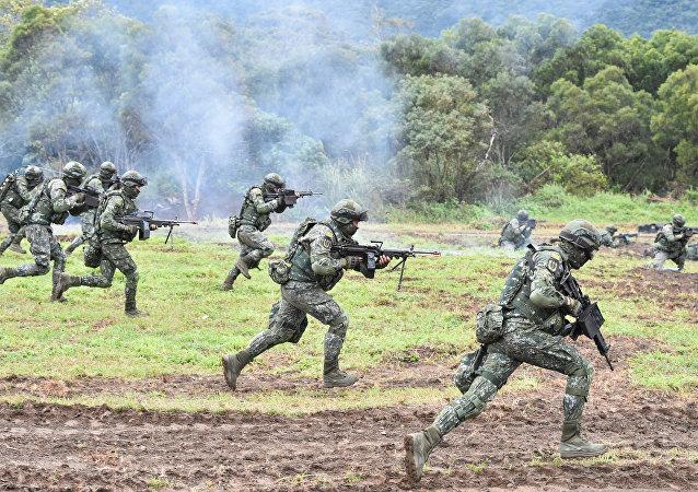 """参加""""国际军事比赛-2018""""的中国代表队将陆续进驻比赛场地"""