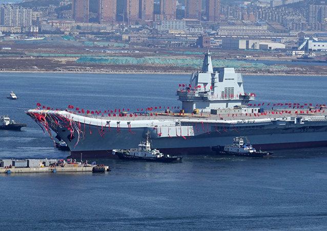 中国第二艘航母完成首次海上试验任务
