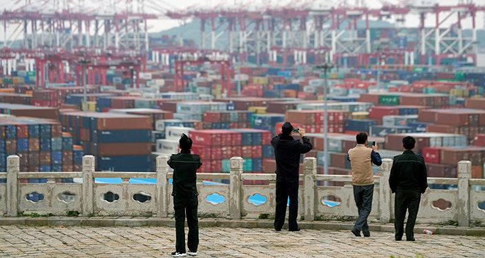中国提醒美国贸易代表团不要在谈判中硬来