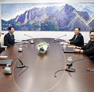 朝韓首腦會晤開始