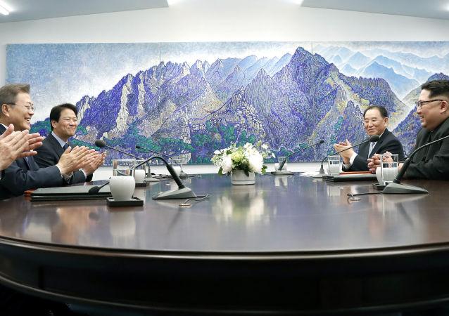 日本首相欢迎朝鲜关闭核试验场的决定