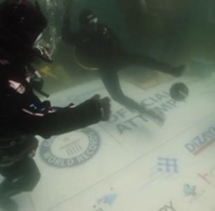 土耳其潛水員創造了新的世界紀錄