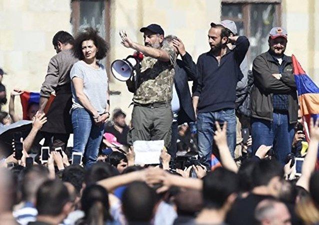 亚美尼亚反对派要求代总理辞职 否则将宣布抵制议会选举