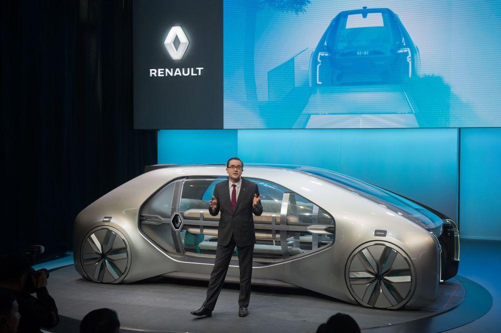 雷諾亞太區主席福蘭先生(Francois Provost)介紹概念車EZ-GO