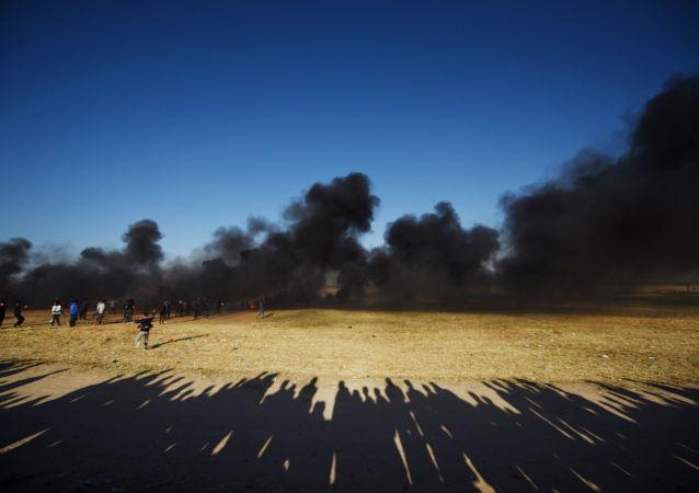 以军:约2万名巴勒斯坦人在加沙交界地区与以军发生冲突