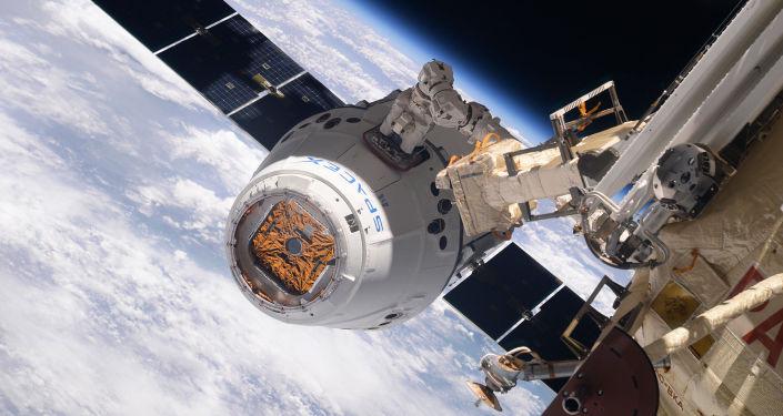 SpaceX公司向国际空间站运送机器人、冰淇淋和高浓度咖啡