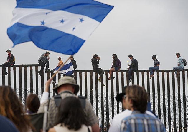 美国土安全部官员因特朗普移民政策受到威胁