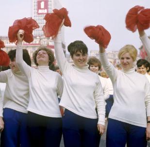 """""""和平、劳动、五月"""":在苏联""""五·一""""是国际劳动人民团结日"""