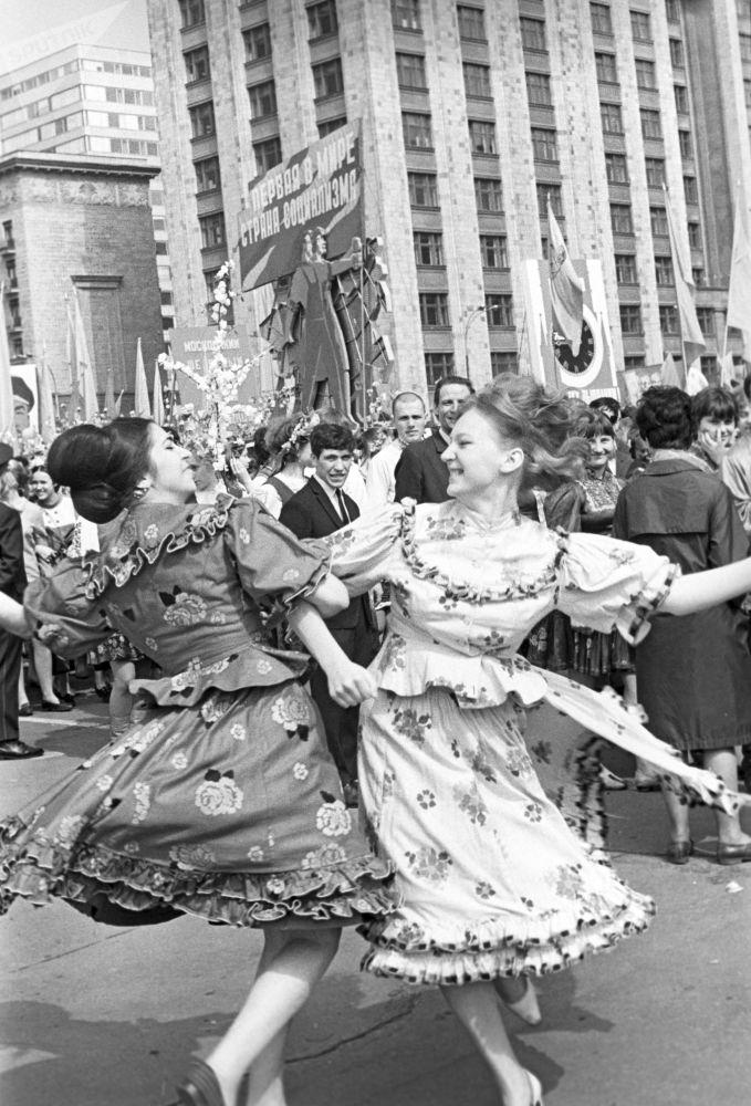 紅場「五·一」勞動人民大遊行的參加者。