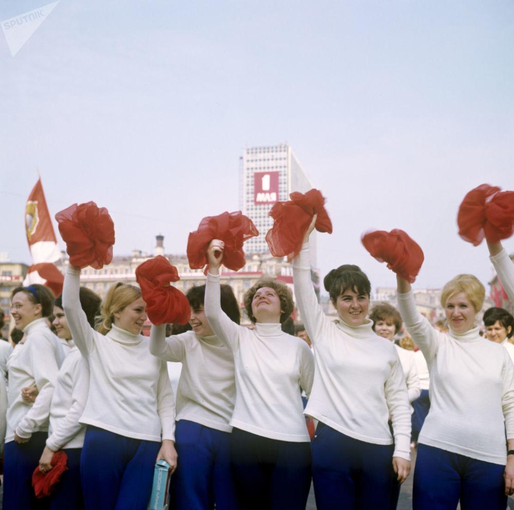 紅場上的體育遊行隊伍。