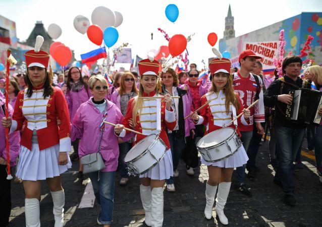 有13萬莫斯科人參加了工會組織的五一大遊行