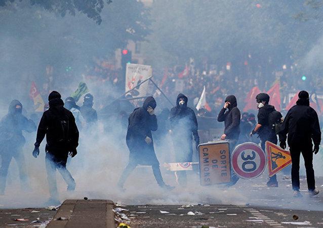 巴黎五一示威游行骚乱