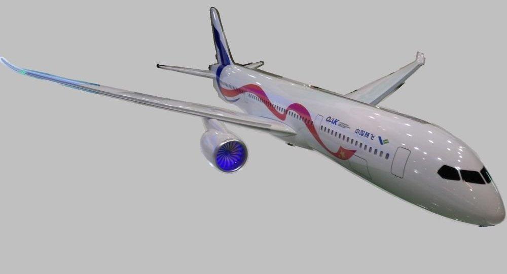 俄中联合远程宽体客机CR929模型亮相2018上海航展
