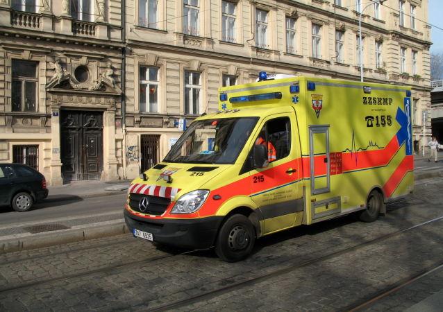 捷克南部两列客运火车相撞致14人受伤