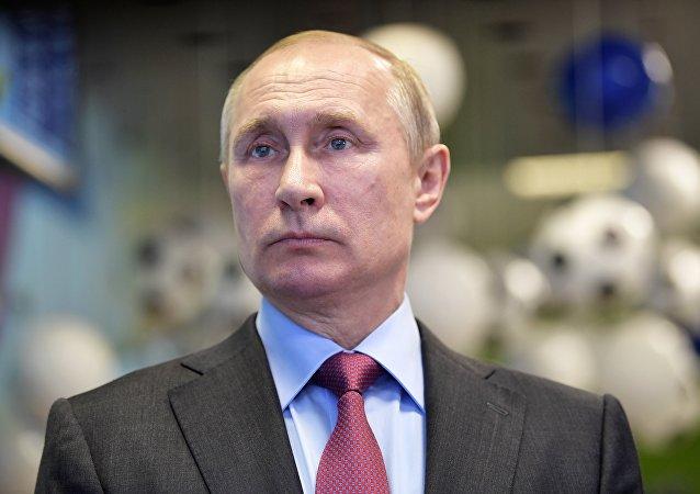 普京因公务繁忙无法现场观看俄罗斯对战西班牙足球赛