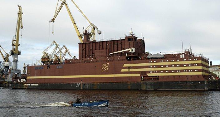 俄罗斯首座浮动核电站开始为反应堆添加核燃料