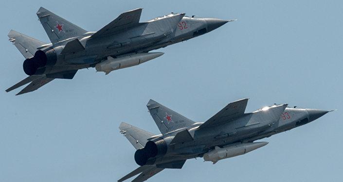 匕首高超聲速導彈的截擊機米格-31K