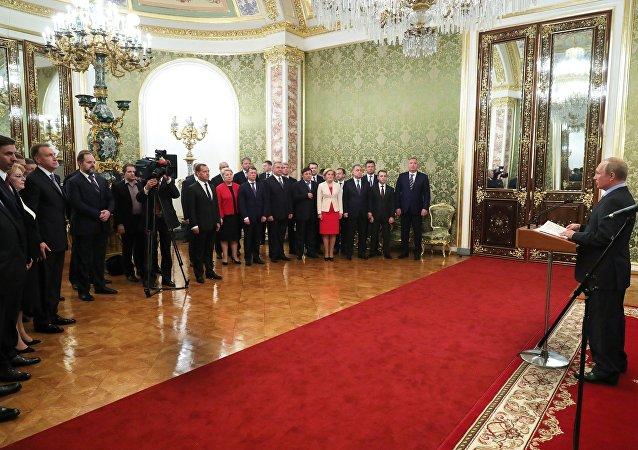 普京對政府成員工作表示感謝