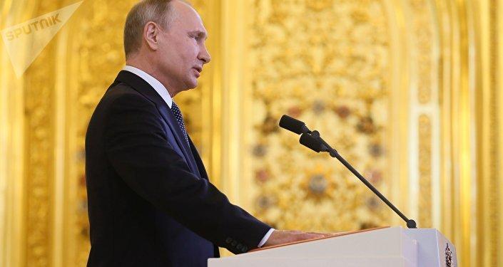 普京责令2024年前保障俄成为全球五大经济体之一