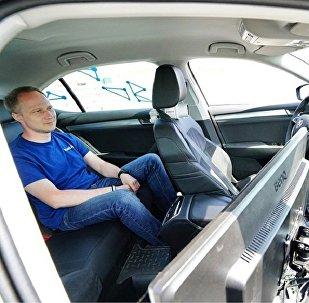 俄总理:俄罗斯2018年将进行无人驾驶汽车技术测试