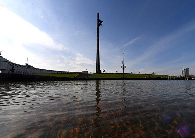 莫斯科勝利廣場140米紀念碑23載屹立不倒
