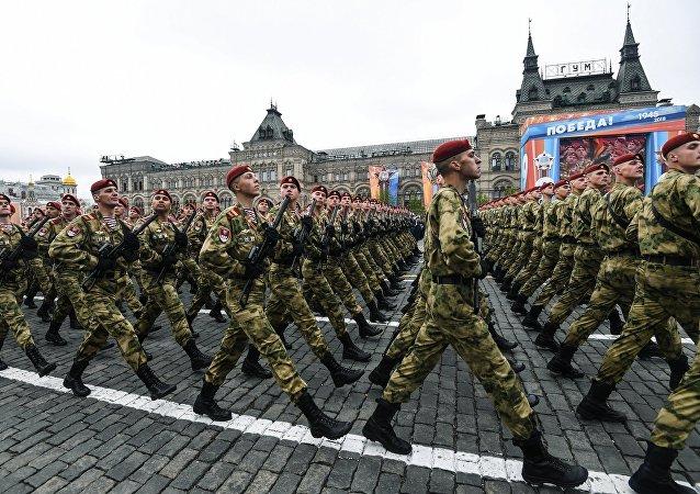 Парадный расчет Росгвардии на генеральной репетиции военного парада на Красной площади