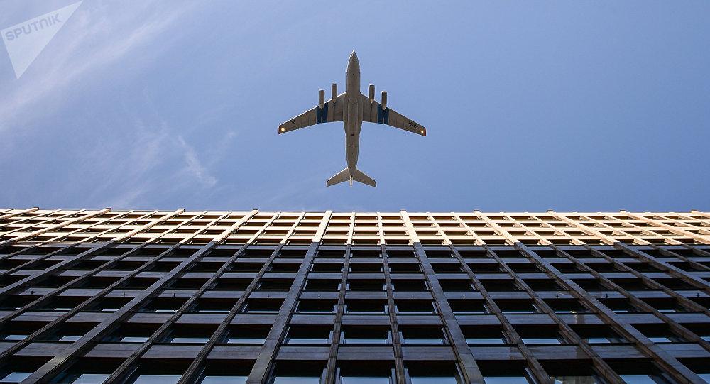 俄羅斯30多名兒童乘飛機從巴格達飛往莫斯科