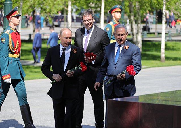 俄以塞領導人在無名烈士墓前悼念陣亡將士