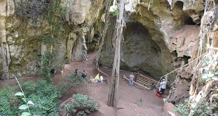 肯尼亞洞穴的古人類遺址