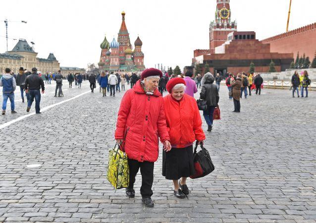 俄擬將男女退休年齡分別延遲至65歲和63歲