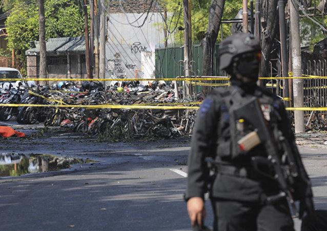 印尼教堂爆炸致死人数增至9人 40人受伤