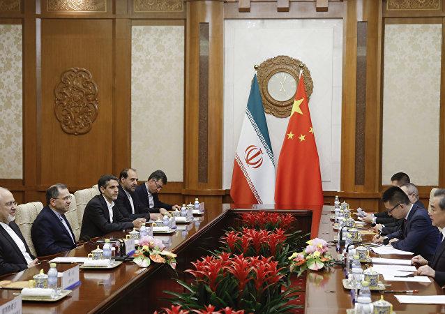 中國外長:中國將繼續維護伊朗核協議