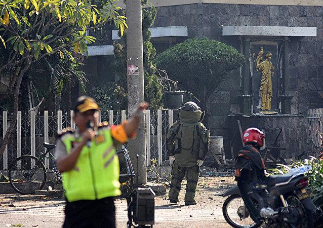 印尼教堂爆炸致死人数增至13人 40人受伤