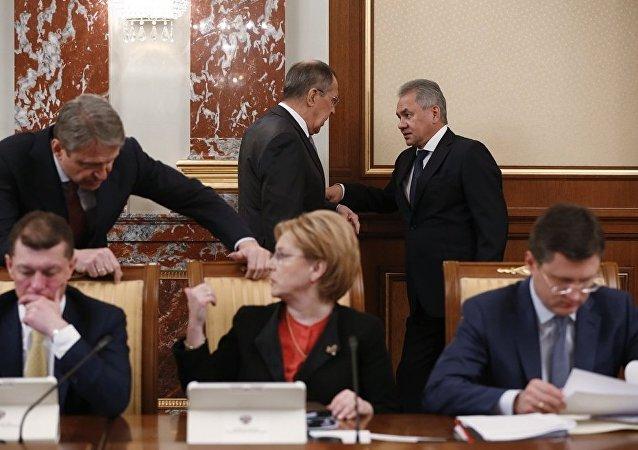 俄羅斯上屆外長和防長將留任原職
