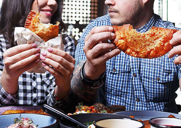 各種餡料的水餃、狗魚、熊肉:葉卡捷琳堡的餐廳為迎接客人做好了準備