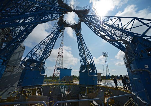 俄东方航天发射场下的空隙已被消除 移动塔的轨道线恢复