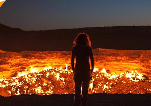 土庫曼斯坦號稱「地獄之門」的天然氣火山口