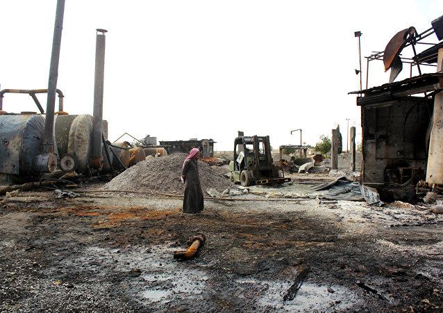 叙霍姆斯市的炼油厂开始重建