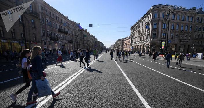 媒體:一名中國女遊客猝死在聖彼得堡餐館