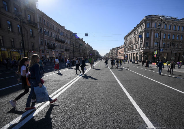 媒体:一名中国女游客猝死在圣彼得堡餐馆