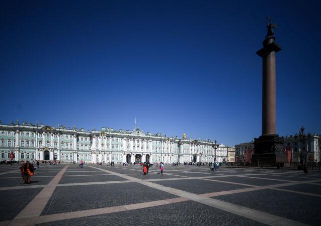 冬宮聖,彼得堡