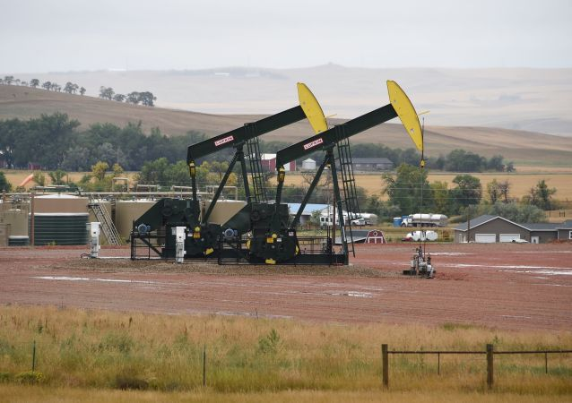 特朗普稱原油價格在其致電沙特領導層後下跌
