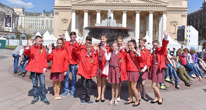 俄羅斯兒童基金會為10萬名國內外兒童組織節日活動