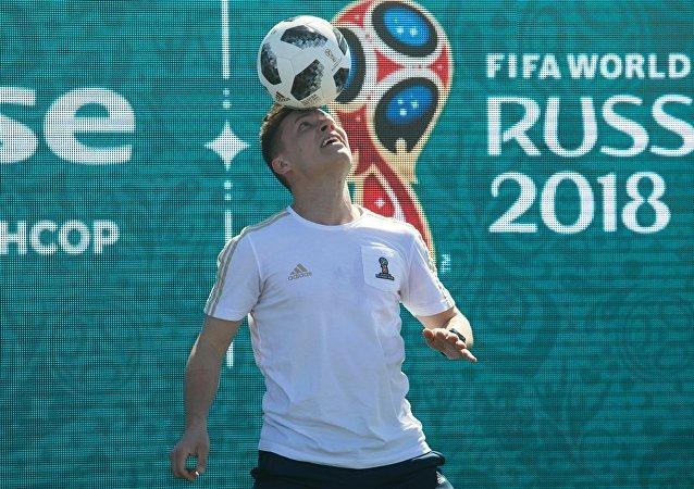俄白两国签署有关在世界杯和欧运会期间相互承认签证的协议