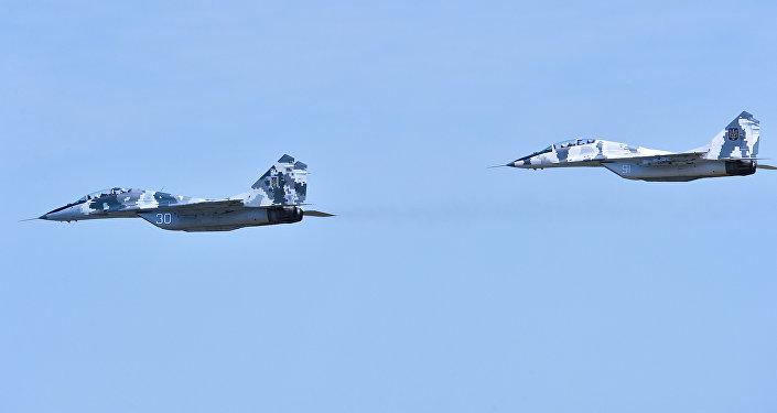 烏克蘭飛機升入頓巴斯上空