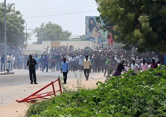 印度泰米爾納德邦政府在爆發抗議後禁止建設銅冶煉廠