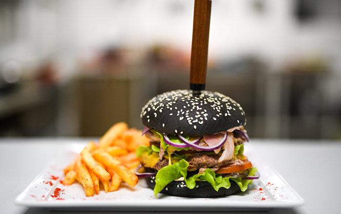Король-бургер сервиса по доставке еды Fresh Diets в Волгограде