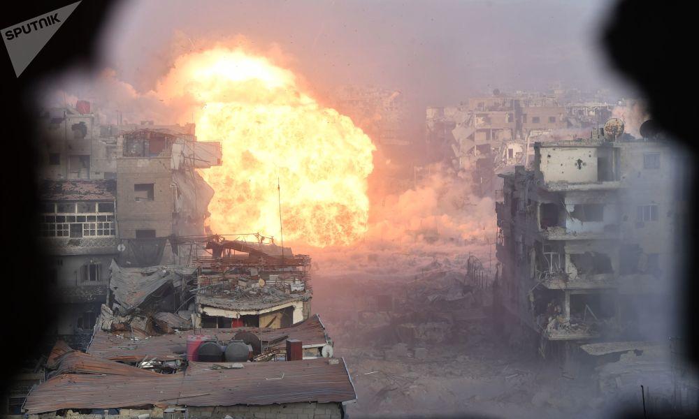 """恐怖组织""""伊斯兰国""""猛攻大马士革南郊耶尔穆克(Yarmuk)前巴勒斯坦难民营地区。"""