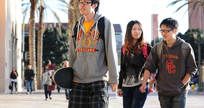 美国拿中国部分高科技留学生签证开刀