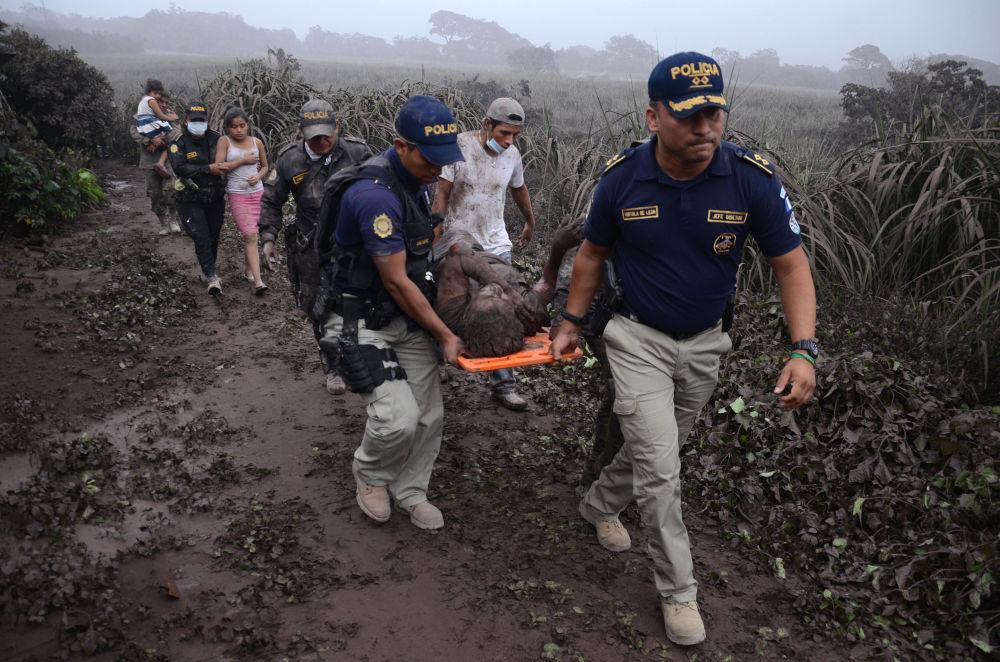 危地馬拉火山噴發